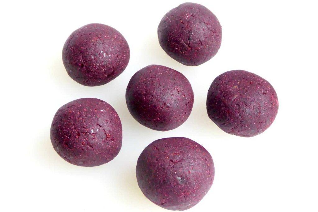 wild blueberry and lemon energy balls